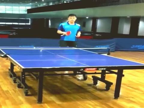 乒乓球教学:专业教练教你侧旋接发球,这几点最重要,真是学到了