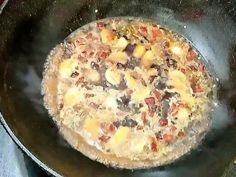 红烧扁鱼好吃有诀窍,多加一步骤,肉质鲜嫩,不粘锅不破皮