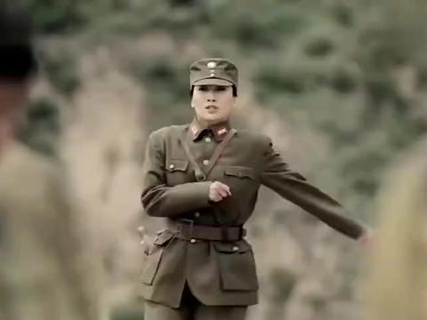 万里:国军团长带兵起义失败,哪料被师长一枪爆头,兄妹从此反目
