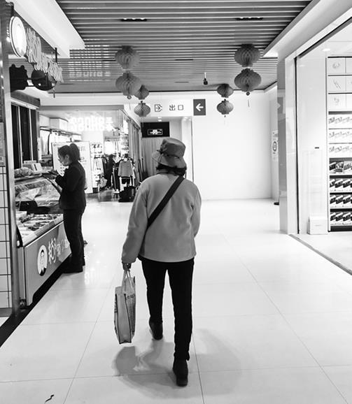 """""""限塑令""""带来啥变化? 昆明大多数商超药店停用不可降解塑料袋"""