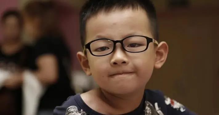 毁掉孩子视力的不是手机,而是多个坏习惯