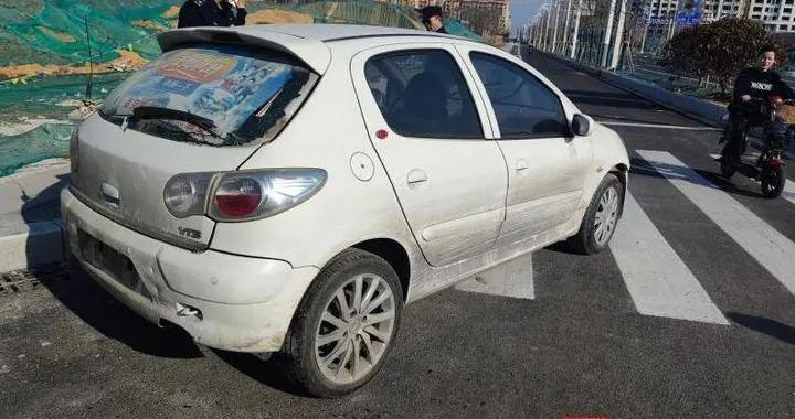 """路边""""僵尸车""""竟然是一辆被盗车,南京溧水城管细心找到车主"""
