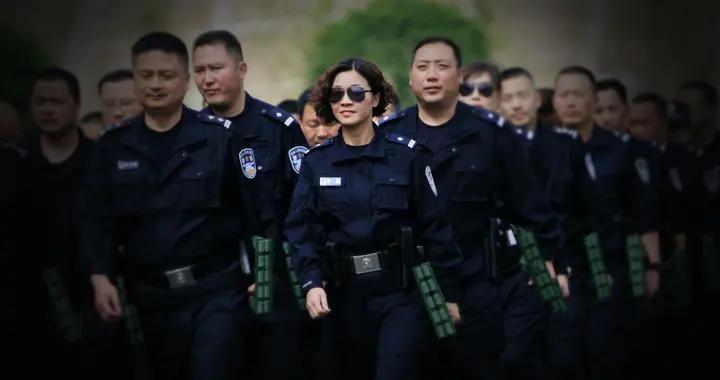 """既是警察,亦是警嫂——记""""全国二级英雄模范""""成都铁路公安处杜斌之妻涪江派出所教导员李静"""