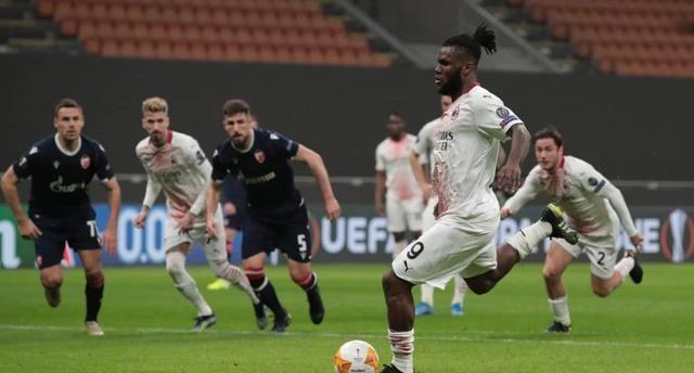 凯西点射破门,AC米兰1-1,总比分3-3,凭借客场进球优势晋级