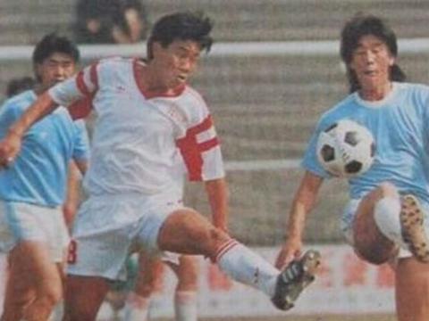 他是李华筠队友,曾在1985年获甲级联赛金靴,老球迷都记得