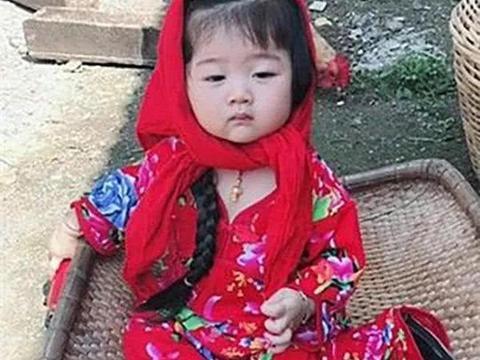 送女儿去奶奶家生活,爸爸反馈照片,妈妈:这村姑是什么情况?