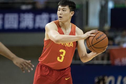 北京队迎来喜讯,9+3+3控卫加盟,一人可改善球队两点!