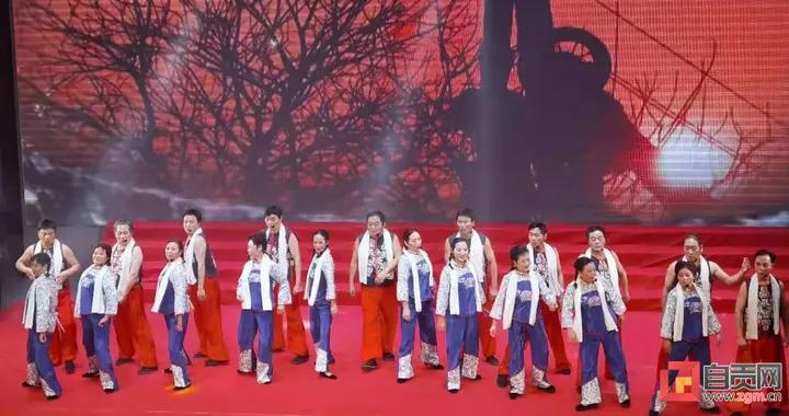 """传承自贡井盐文化历史""""锦天花艺术团""""亮相省云春晚"""