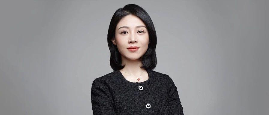 """80后美女创业三年上市3000亿,一月跌掉1000亿:""""中国新晋女首富""""的电子烟神话!"""