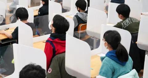 日本5所中学700余人食物中毒 吃学校配餐后腹泻发烧