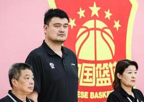 中国男篮遭不公平待遇,姚明直接摆明态度霸气回击