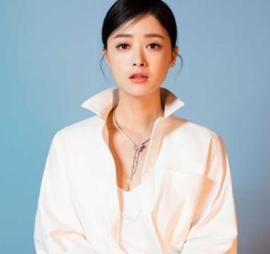 蒋欣37岁减肥成功体重不过百,跟王子文一样瘦,她说方法是这样的