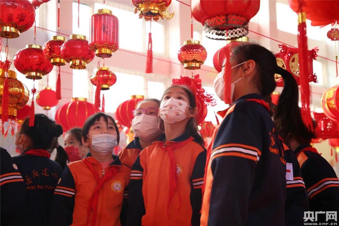 天津市岳阳道小学多种形式庆祝元宵佳节