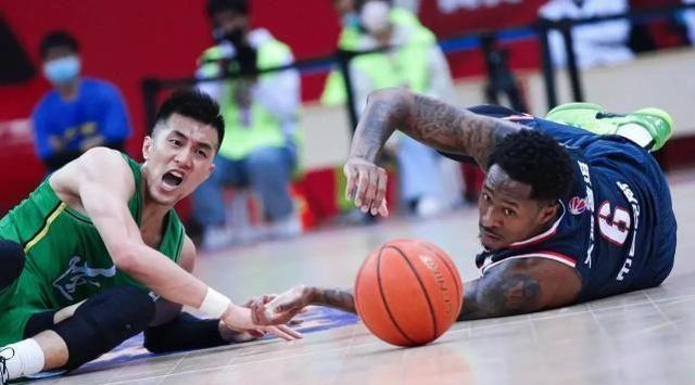CBA榜首之争,辽篮赛程艰难,广东相对轻松,辽粤大战最为关键