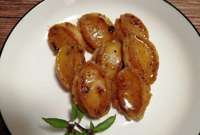 生煎鲍鱼,西式做法,黄油煎、白兰地腌,便捷简单,香嫩滑爽