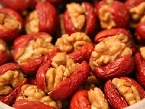 春天吃红枣,教你不煮粥不蒸饭的做法,每天吃点,美容养颜气色好