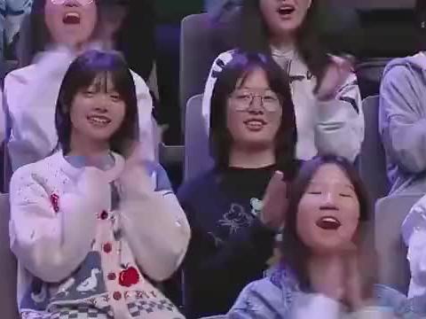 快乐大本营:李沁、王大陆合唱《有点甜》好甜啊!