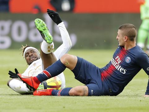 波切蒂诺:维拉蒂在训练中遭遇脚部伤病,他暂不能穿球鞋进行训练