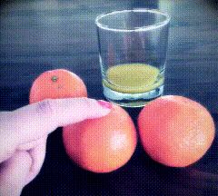 """鲜榨果汁不是精华,是""""水果垃圾"""""""