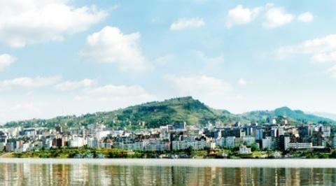 重庆丰都县最大的镇,是全国重点镇之一,和石柱县接壤