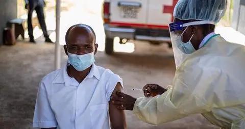 津巴布韦医生赞赏国药疫苗:中国生产越来越多的好产品