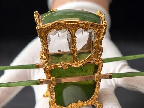 末代沙皇的迷你翡翠轿子,被收藏家当传家宝流传下来,拍出高价