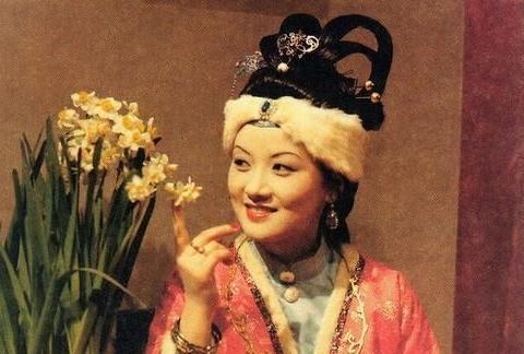 王熙凤和贾蓉的尴尬事,被贾琏吃醋嫉妒的拆除,足以让他两人不堪