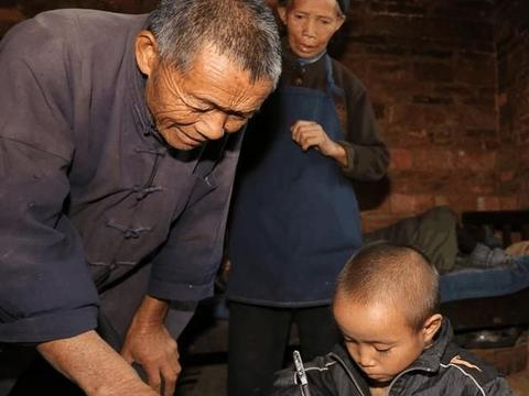 以前老人抢着帮忙带孙子,现在给钱都不愿意,老农心里怎么想的
