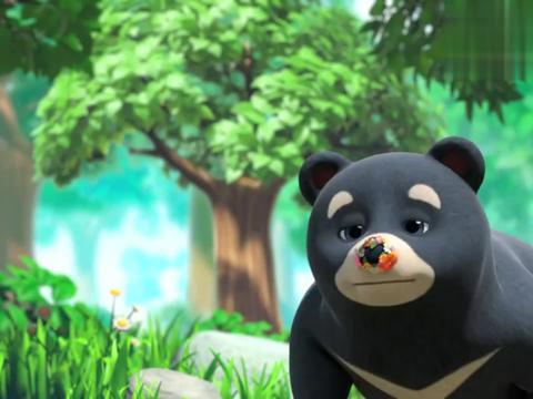 萌鸡:黑熊叔叔接连两个喷嚏,将朵朵花环弄坏,这可给她气坏了