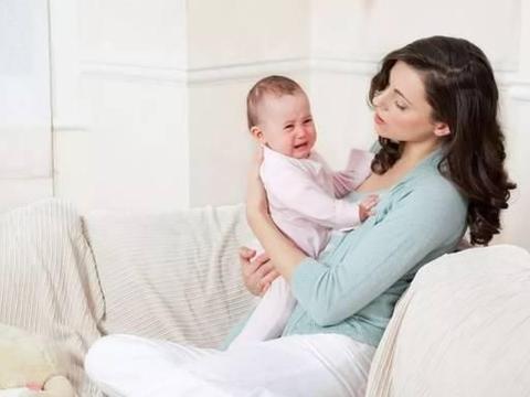 关个门孩子就醒,不拉窗帘睡不着,宝宝睡觉轻到底是什么原因?