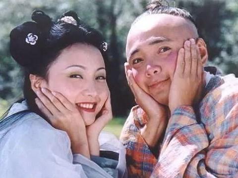 她是娱乐圈最精致女星,与徐峥结婚生下一女,如今49岁风韵十足