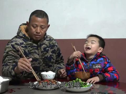 农村王四:儿子开始换牙了,新牙旧牙参差不齐,刘老九一脸担忧