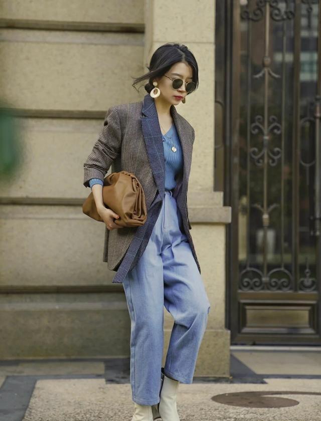三木是真的会穿,一件西装外套穿出法式复古感,时尚又高级