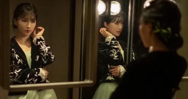 被央视点名的李子柒,古装穿搭出席微博之夜,纱裙发簪国风太美了