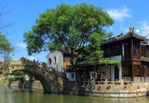 """上海耗资1500万升级的古镇,被称沪版""""周庄"""",游客来了不想走!"""