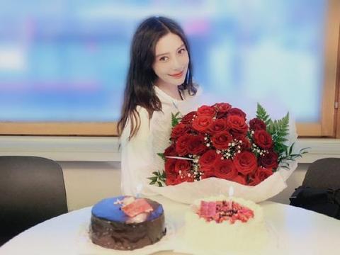 Angelababy庆生照流出,31岁似少女,倪妮杨幂小KK等好友送祝福