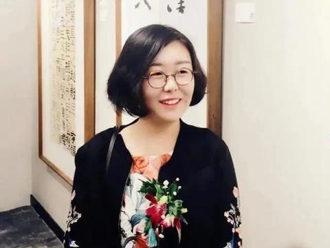 她20岁就加入中书协,成为最年轻的中书协会员,书作雅俗共赏