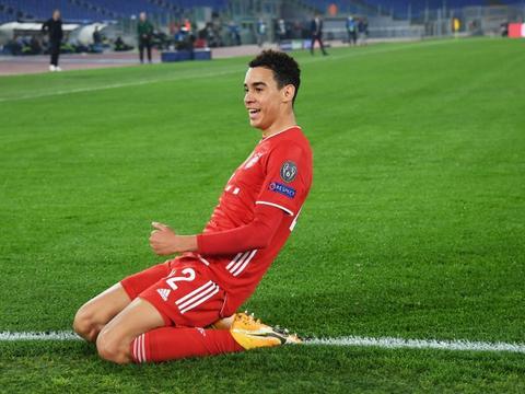 克罗斯:我没怎么看过穆西亚拉踢球,但我听说他非常优秀
