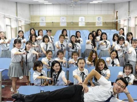 """小学生越来越""""娘"""",原因是缺少男老师,为何小学男老师稀少?"""