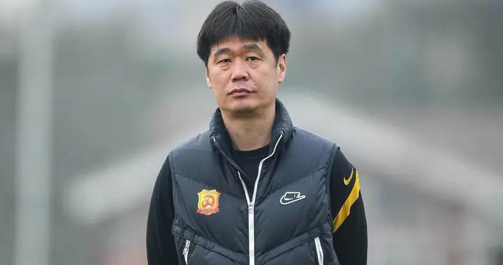 李霄鹏对卓尔防守改造初见成效,新赛季热身赛首次零封对手