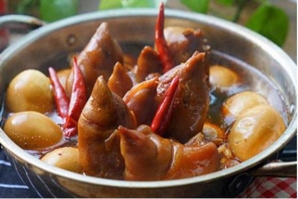 美食做法推荐:白菜炒肉、招财猪蹄、鸭血粉丝汤、啤酒炖猪脚