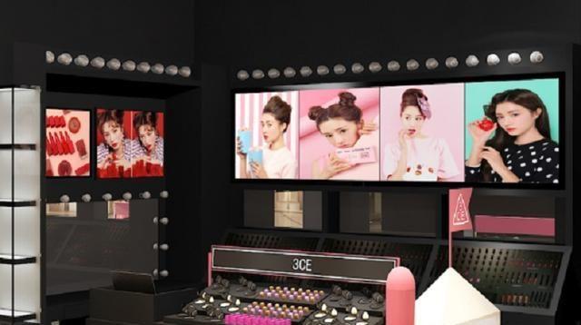 定制化妆品展柜受商家青睐