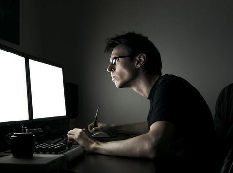 研究表明:长期在黑暗中使用电子设备,可能会影响精子质量
