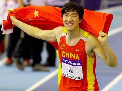 中国体坛难以超越的巨星:邓亚萍第4,姚明第3,榜首百年难遇!