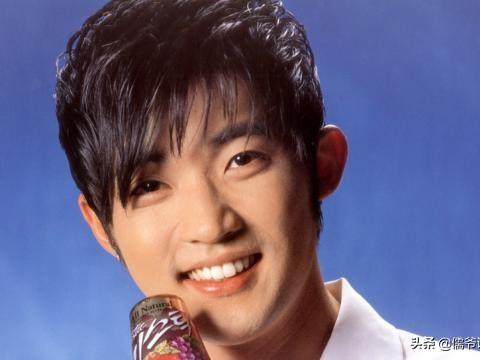 安在旭二胎得子,50岁的他现儿女双全,曾是韩剧初代男神