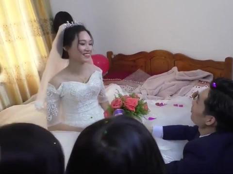 广西一帅哥迎亲,求婚时配的这首《最美的相遇》好听吗
