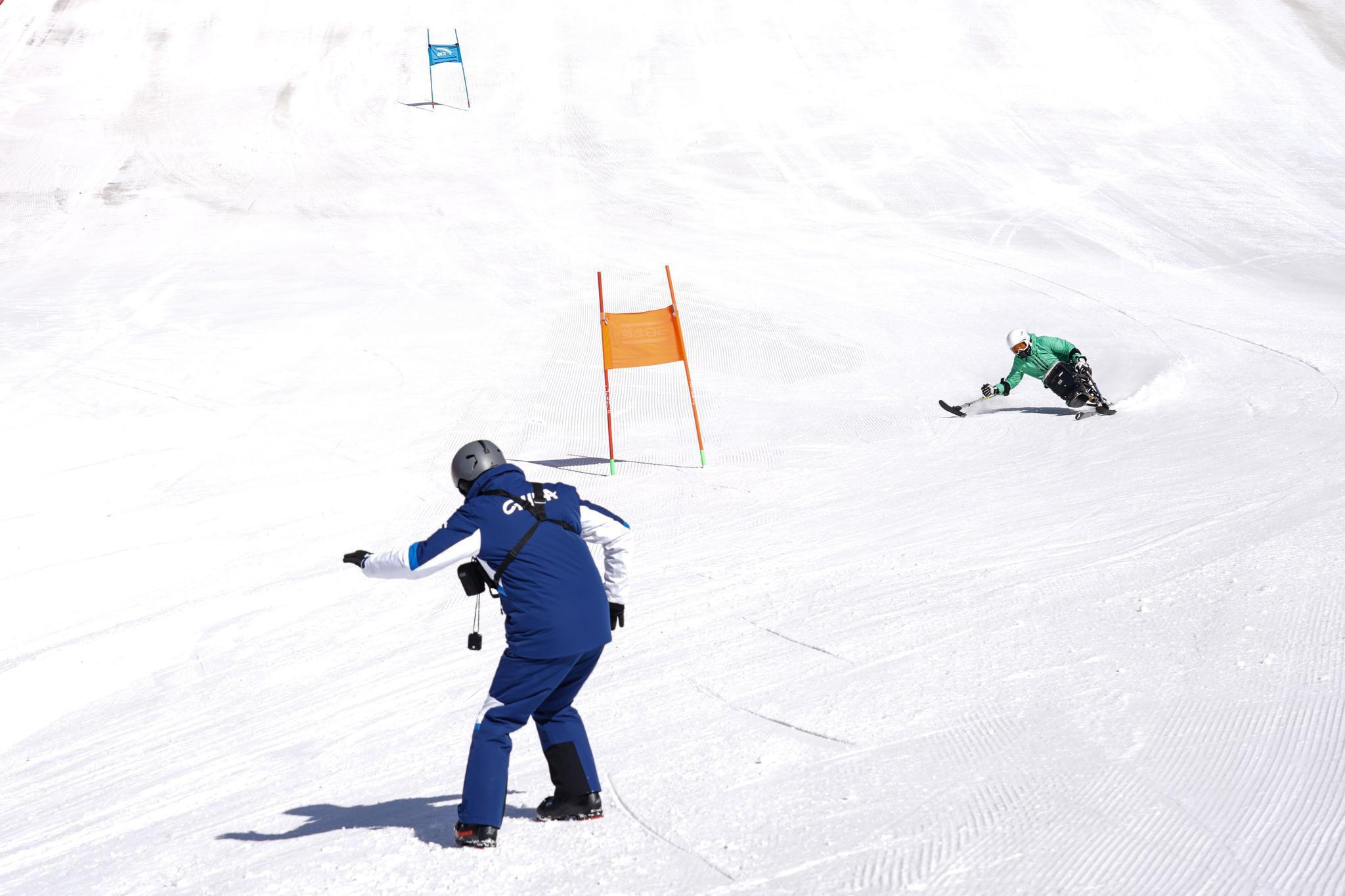 (体育·图文互动)(6)从0到1的跨越:意大利籍教练见证中国残疾人高山滑雪项目发展