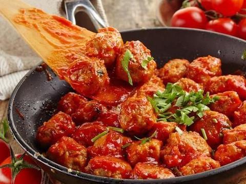 茄汁鸡肉丸子,低脂酸甜超入味,口感软嫩的家常菜,做法很简单