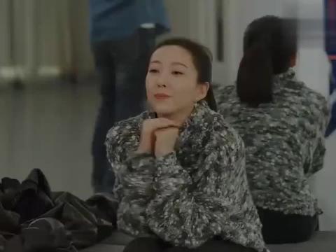 方圆陪儿子去练舞,却发现小梦与她同学俩人太亲密,俩人有问题啊
