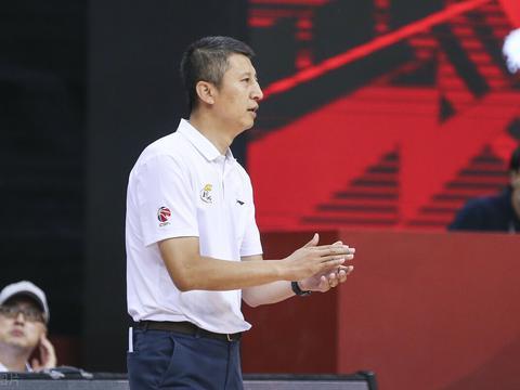为何郭士强最受欢迎?他相比杜峰和杨鸣2人,带队球品更加服人?